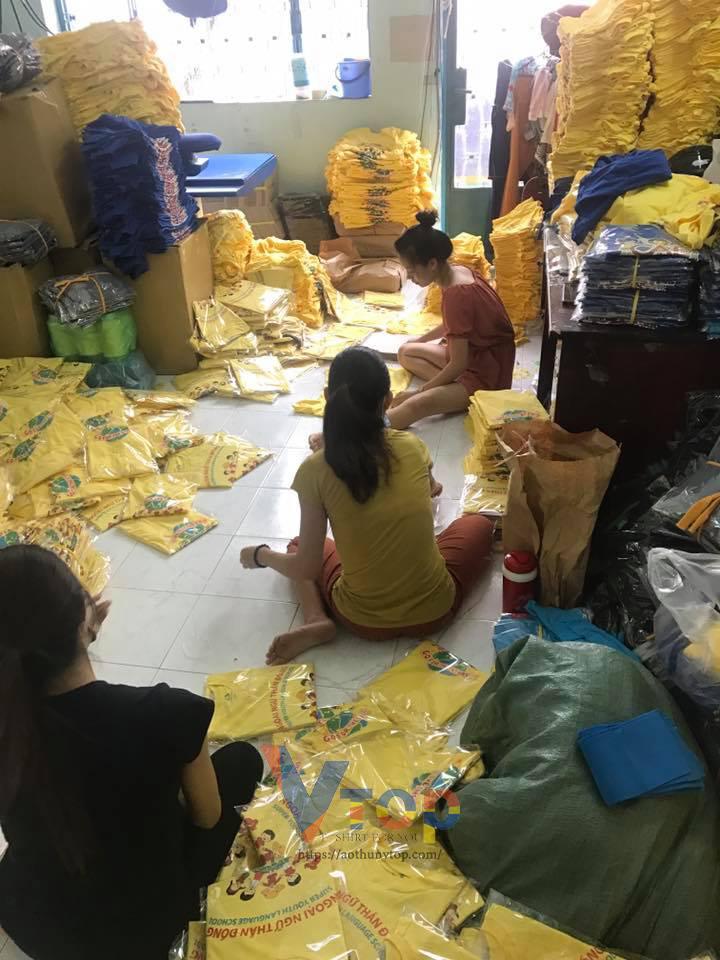 xưởng may áo thun đồng phục học sinh