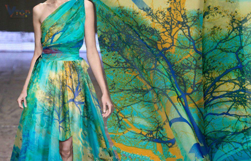 Đầm được may với vải voan
